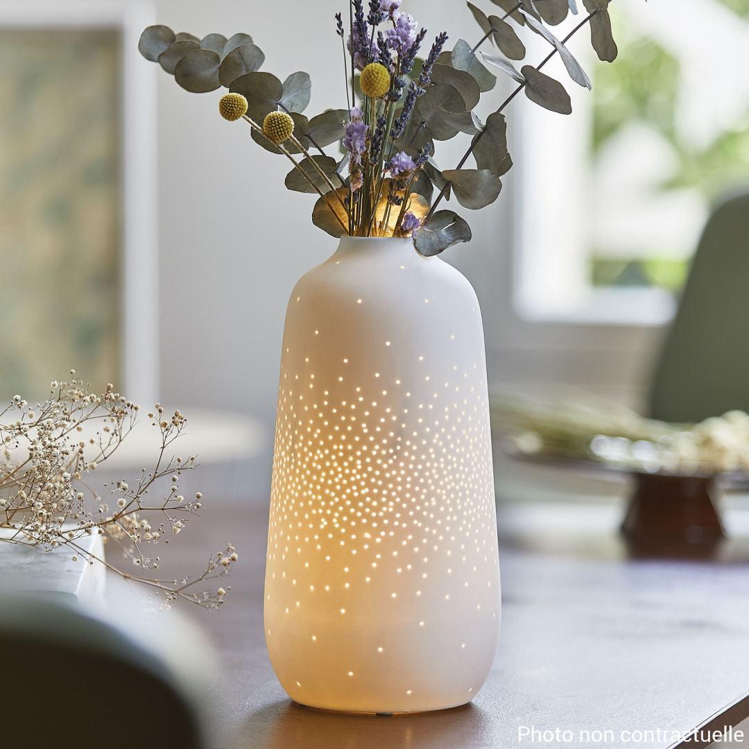 Vase et lampe en céramique blanc