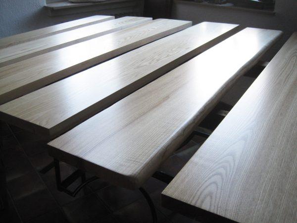 Holzfensterbänke Esche massiv mit Naturkante bzw. Baumkante oder Live-Edge, lackiert