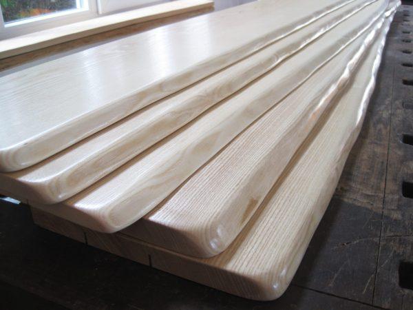 Holzfensterbänke mit Naturkante, Holz Esche massiv, Innen, mit Baumkanten bzw. Live-Edge