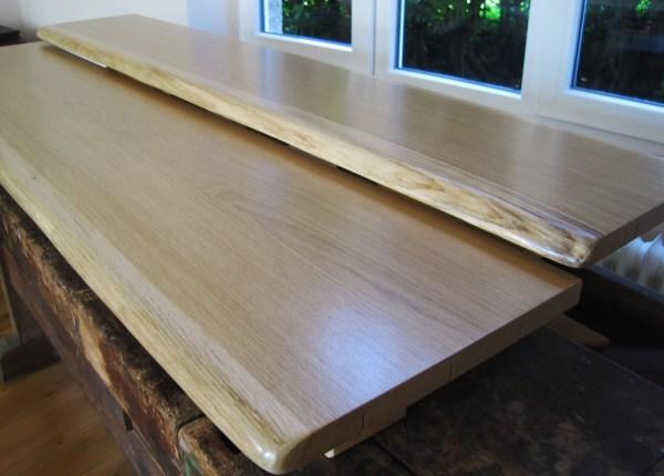 Sitzbank, Thekenplatte, Tischplatte, Tresen aus Eiche mit Baumkante bzw. Naturkante, lackiert