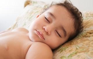 Børneopdragelse, forældreskab, julehygge, puttetider, barndom, børnesundhed, sovetider