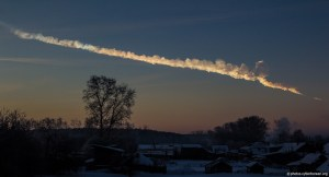 A photograph showing the trace of the Chelyabinsk asteroid in the Russian sky.