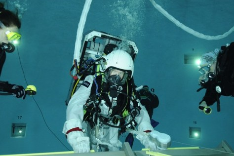 A photograph showing Timothy Peake EVA Training at ESA's Neutral Buoyancy Facility at the European Astronaut Centre in Cologne, Germany.