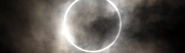 Celestial Rendez-Vous – An Equinoctial Total Eclipse of the Sun