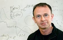 A photograph of American scientist Gavin Crooks.