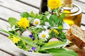 salat-mit-fruehlingskaeuter