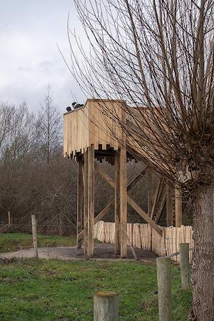 Uitkijktoren Tommelen zijkant