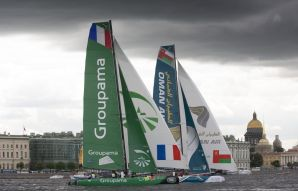 Extreme Sailing Series : Testing conditions for Extreme 40 crews on opening day in Saint Petersburg