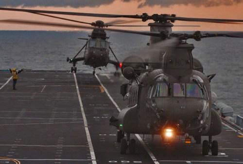 ark-royal-flying-ops-foto-royal-navy