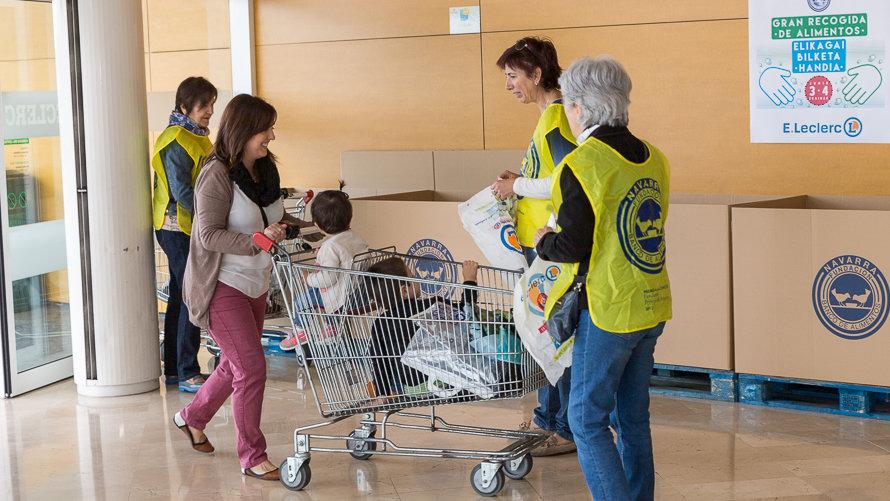 : 300.000 kilos <b>de alimentos</b> donados en la última <b>Gran</b> <b>Recogida</b> ...