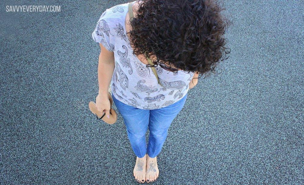 lisa looking down_logo