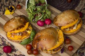 Burger khameer eggs arabic