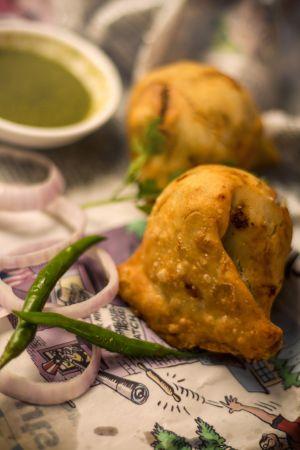 Samosa snack indian chutney