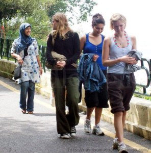English Tourists (1)