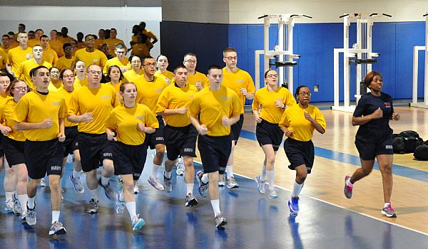 Starting Jan 1 Navy Recruits Will Now Need To Pass A 1 5 Mile Run Us Navy Prt