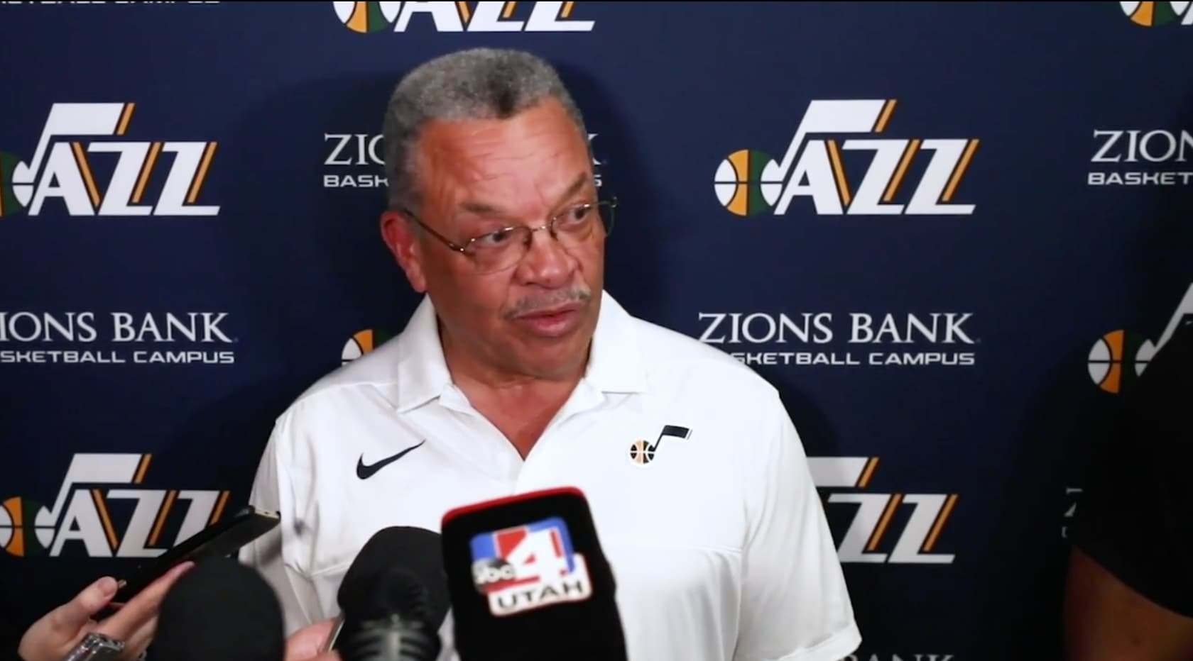 The Note Prepare For The 2019 Nba Draft With The Jazz Vp Of