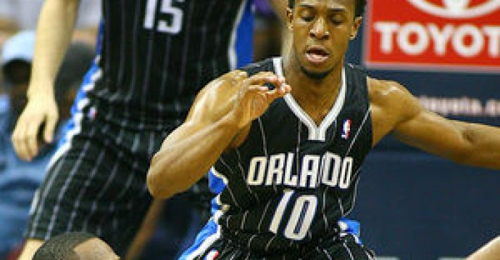 Orlando Magic renueva a Ishmael Smith