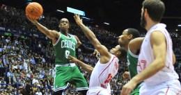 Rondo y Green guían la primera victoria de Boston en pretemporada