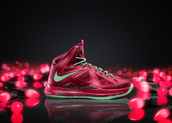 LEBRON X Xmas colorway 16337