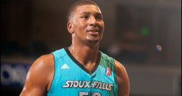 Miami Heat envía a Dexter Pittman a Memphis Grizzlies