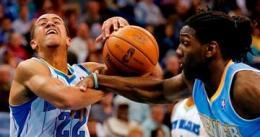 Los Hornets dejan la racha de victorias de los Nuggets en 15