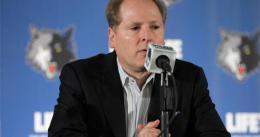 Minnesota hace oficial el despido de David Kahn