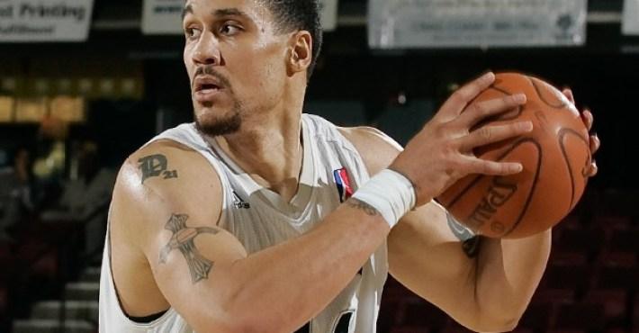 Dwayne Jones firma con los Utah Jazz