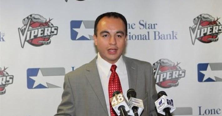 Gersson Rosas vuelve a las oficinas de los Houston Rockets