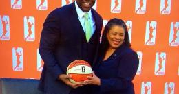 Magic Johnson salva a Los Angeles Sparks