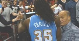 Kenneth Faried salva los muebles en Denver