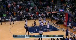 Vídeo: Chris Douglas-Roberts le da la victoria a los Bobcats sobre la bocina