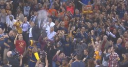 Mala noche de LeBron James en su retorno a Cleveland, derrota de los Cavs
