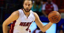 McRoberts ejerce su opción para seguir en los Heat