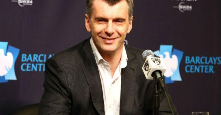 Prokhorov asume sus decisiones