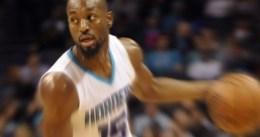 Kemba Walker se luce ante los Lakers