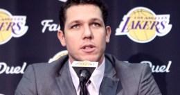 Los Lakers recortan su plantilla a 17 jugadores