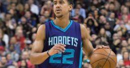 Brian Roberts complementa a los Hornets