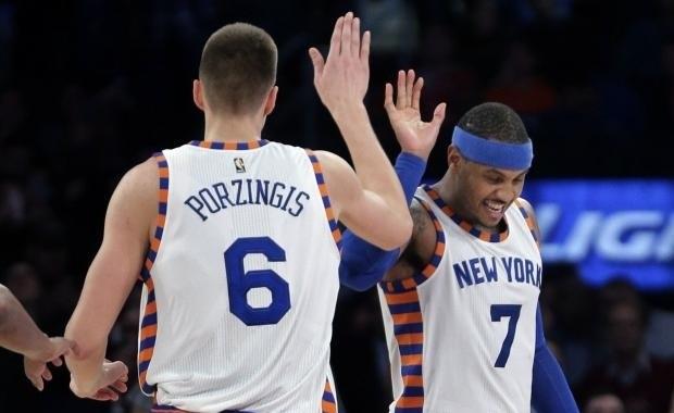 Kristaps Porzingis y Carmelo Anthony