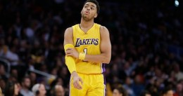 D'Angelo Russell se queda con Manu