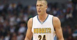 Nuggets y Plumlee llegan a un acuerdo por tres temporadas