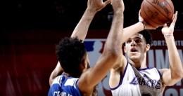 Los Lakers aplazan la cuestión del tiro de Lonzo Ball hasta el próximo verano