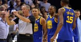Curry, multado por lanzar su protector bucal a los árbitros
