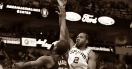 Los Mavericks le amargan el regreso a Kawhi Leonard