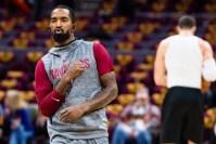 Cleveland es incapaz de quitarse de encima a J.R. Smith