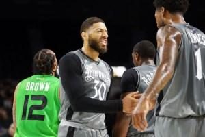 Bola con efecto de Royce White: ¿Por qué Dudley tiene equipo y Carmelo no?