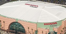 Anaheim abre de par en par las puertas a los Kings