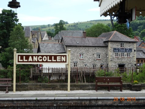 Llangollen station that runs a steam train through the valley