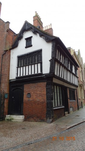 Medieval cottage that is in an alleyway next to the cathedral.