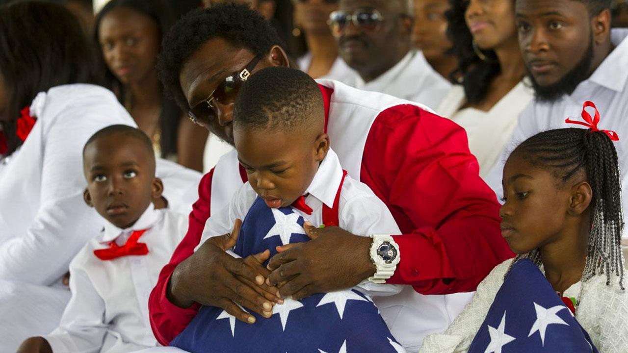 Trump Fallen Soldier Funeral_359599