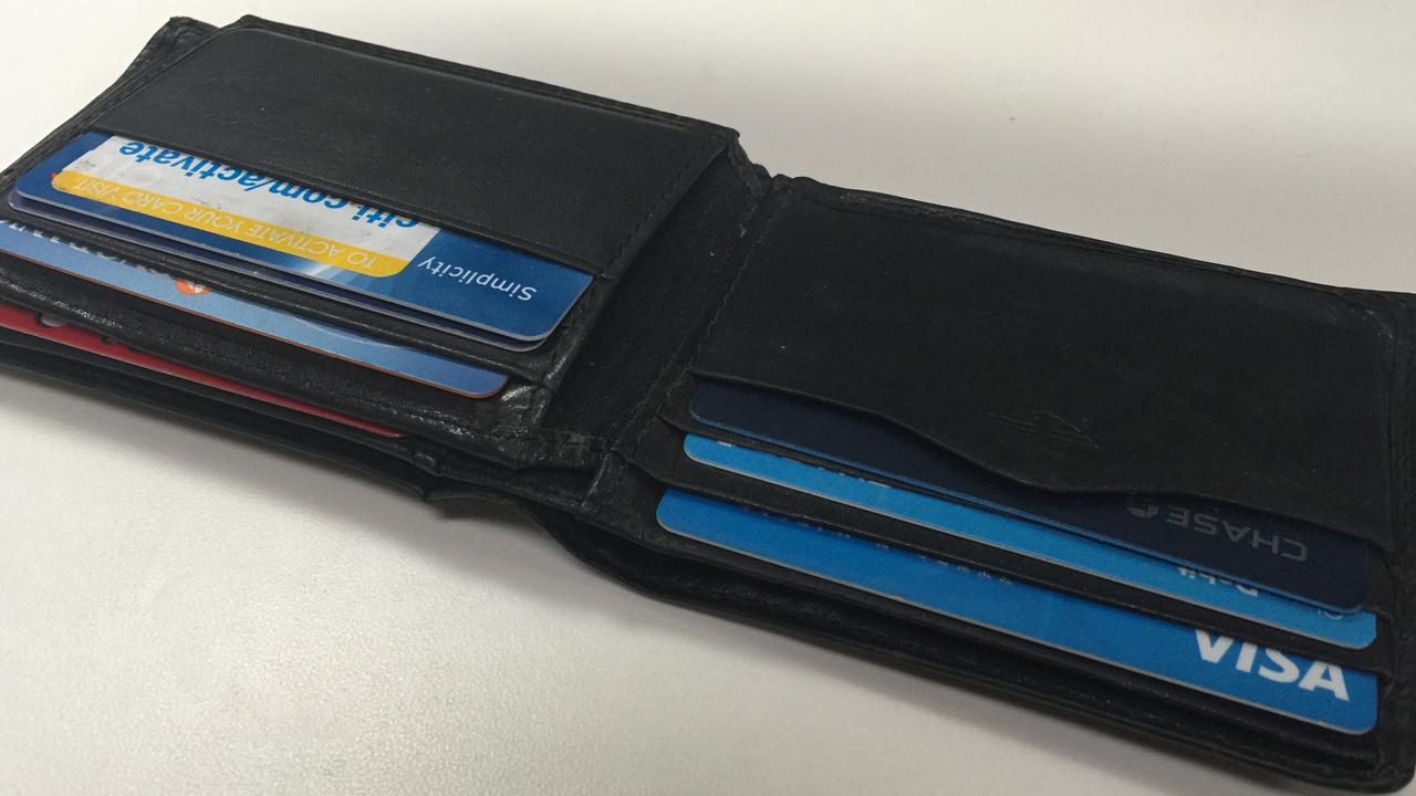 generic wallet_362032